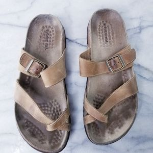White Mountain Gracie Leather Cross Strap Sandals